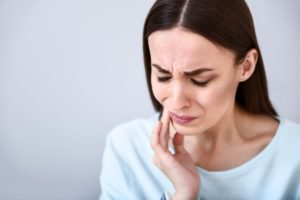 woman tooth pain